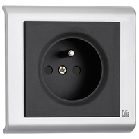 Socket-Outlet with Earthing Pin